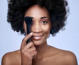Maquiagem Profissional: Pele Negra
